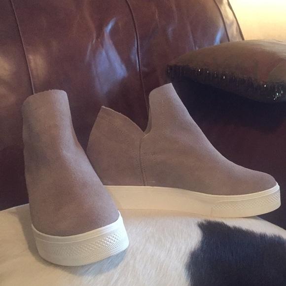 1ce2c442250 Steve Madden Women's Wrangle Sneaker